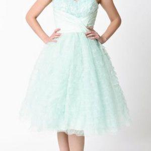 Unique Vintage Lace Tulle Sweetheart formal Dress
